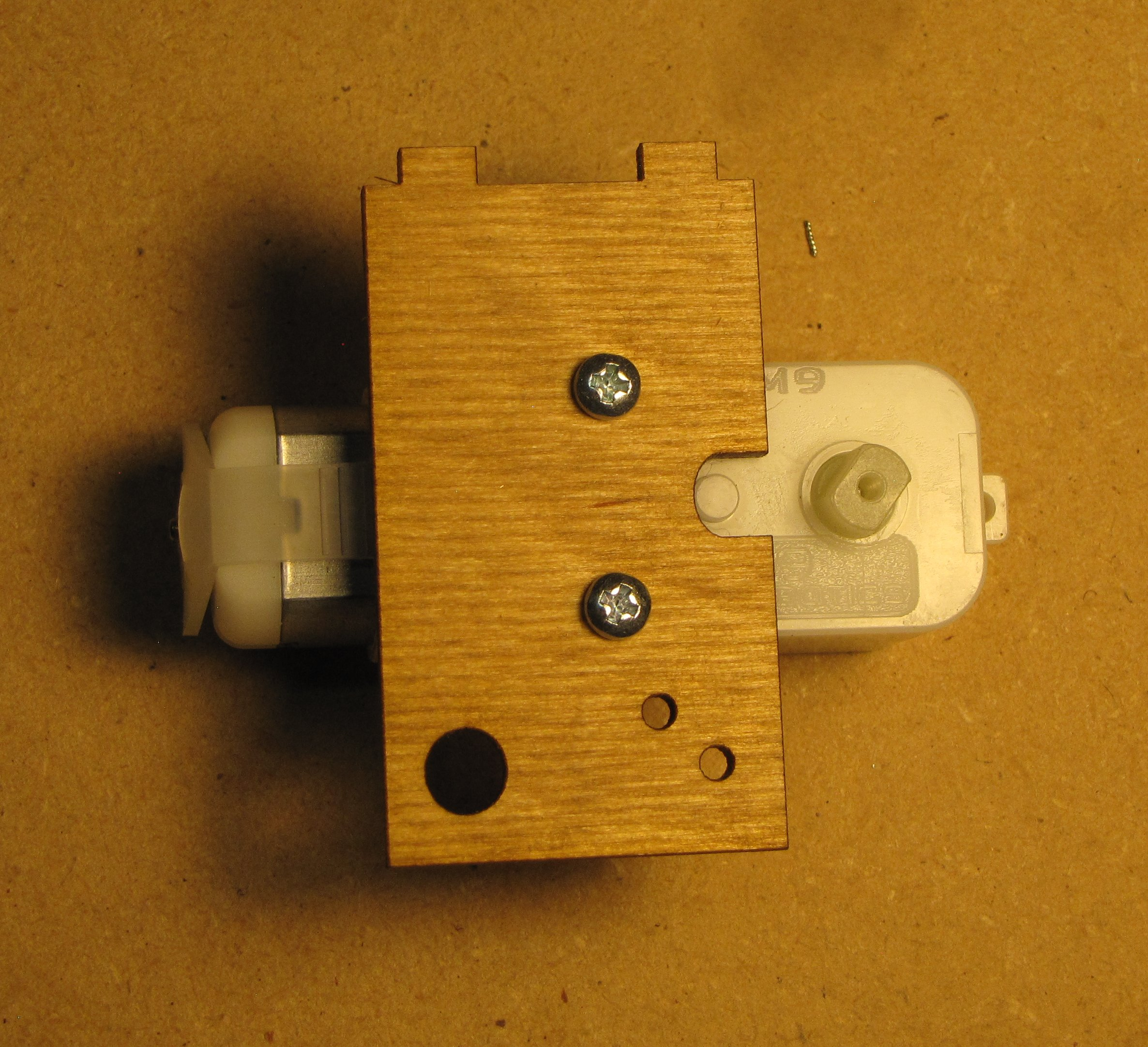 Picture of Attach Large Mount to Gear Motor