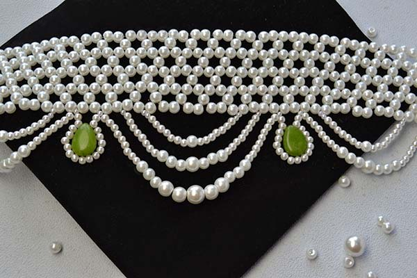 Picture of Here Is the Final Look of This Pearl Choker Necklace.