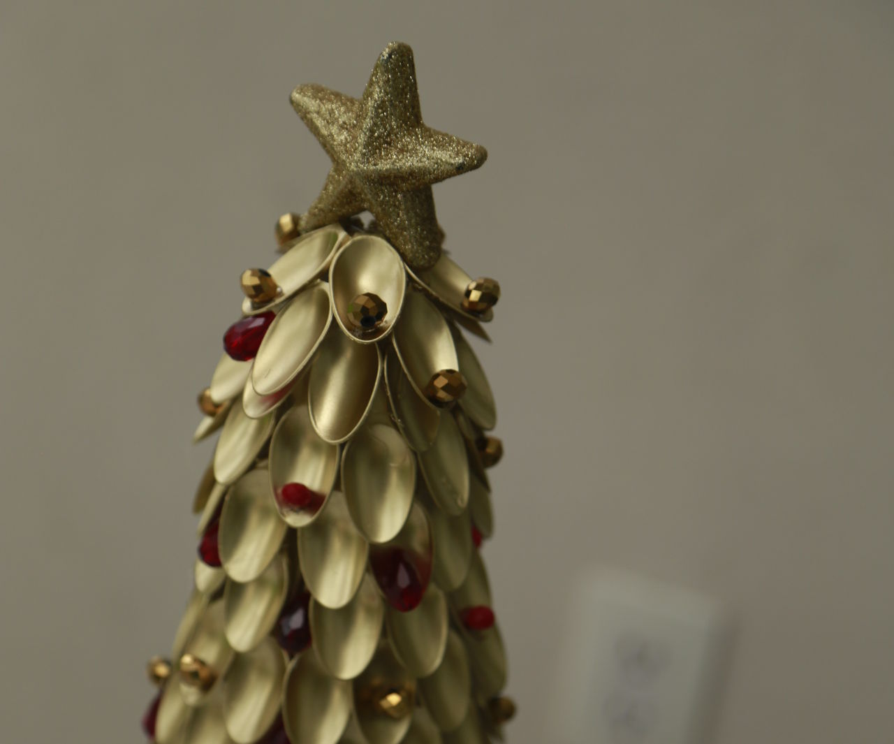 Recycled Materials Christmas Tree.Recycled Materials Xmas Tree 9 Steps With Pictures