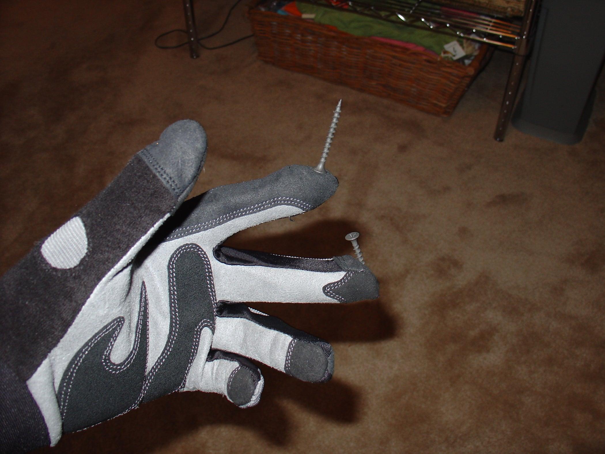 Magnetic Fingertip Gloves: 3 Steps