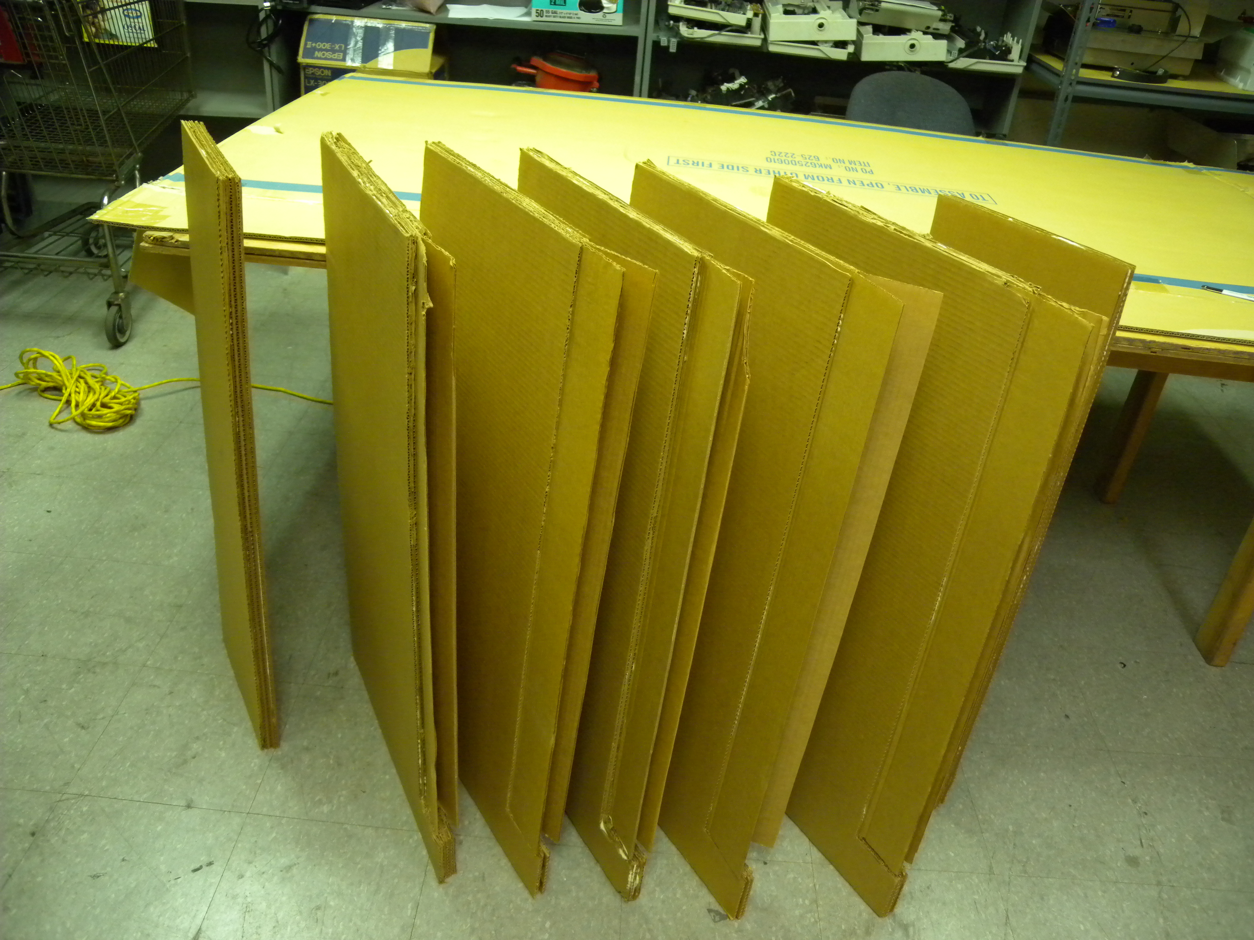 The Card Bar - Functional Cardboard Furniture: 12 Steps (with Pictures)
