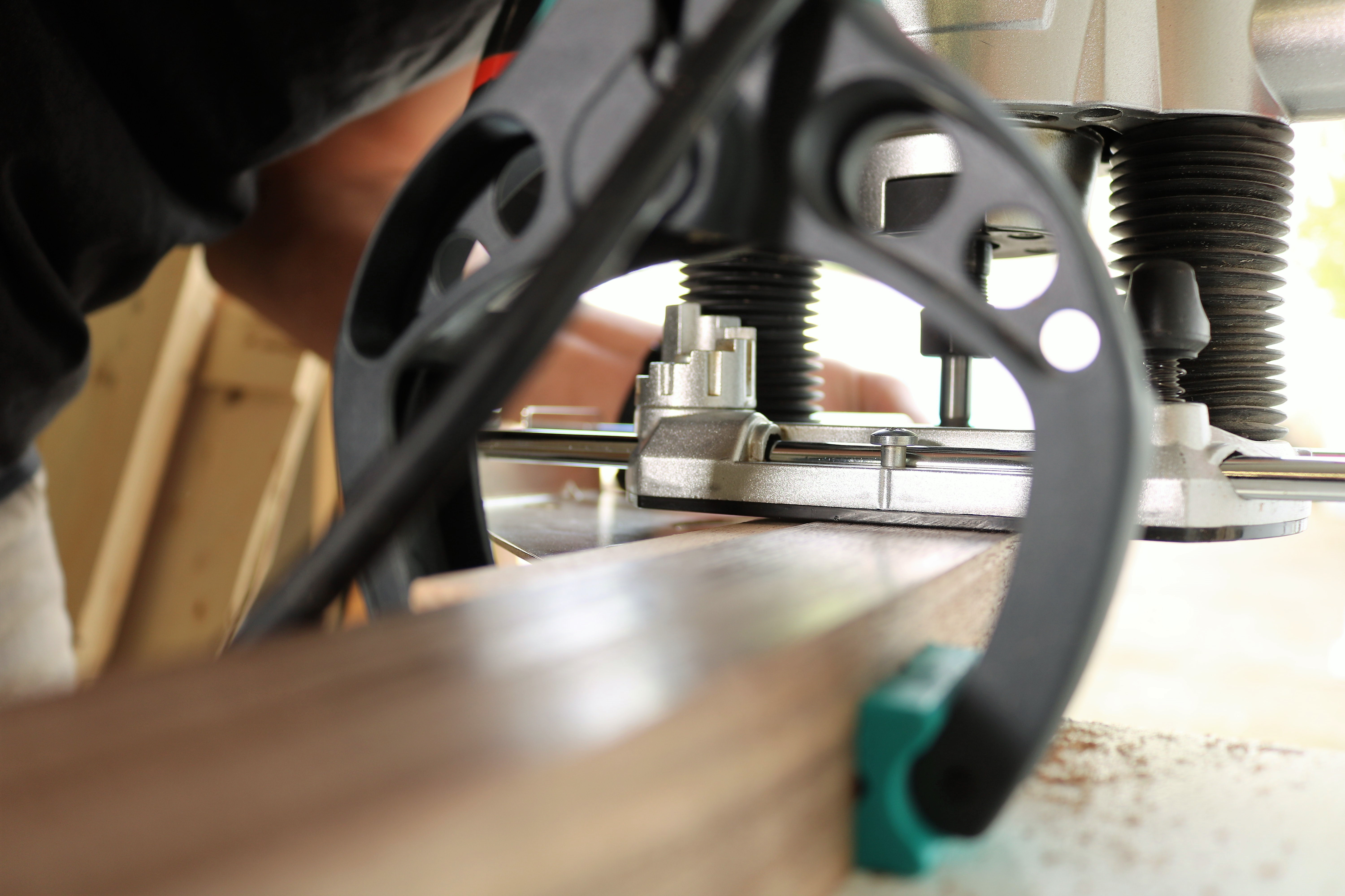 Picture of Milling the Joiners of the Mirror Legs