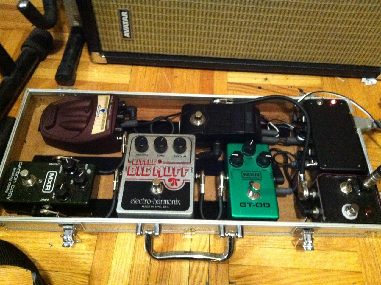 Guitar Effects Pedalboard Case W Isolated Power Supply 5 Steps Regulated Composed Of Mpc1000 Powersupplycircuit