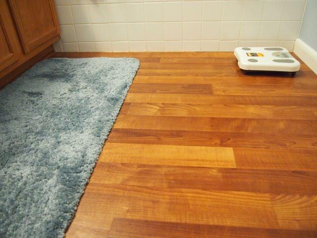 Bathroom Linoleum Flooring Replacement Project: 9 Steps ...
