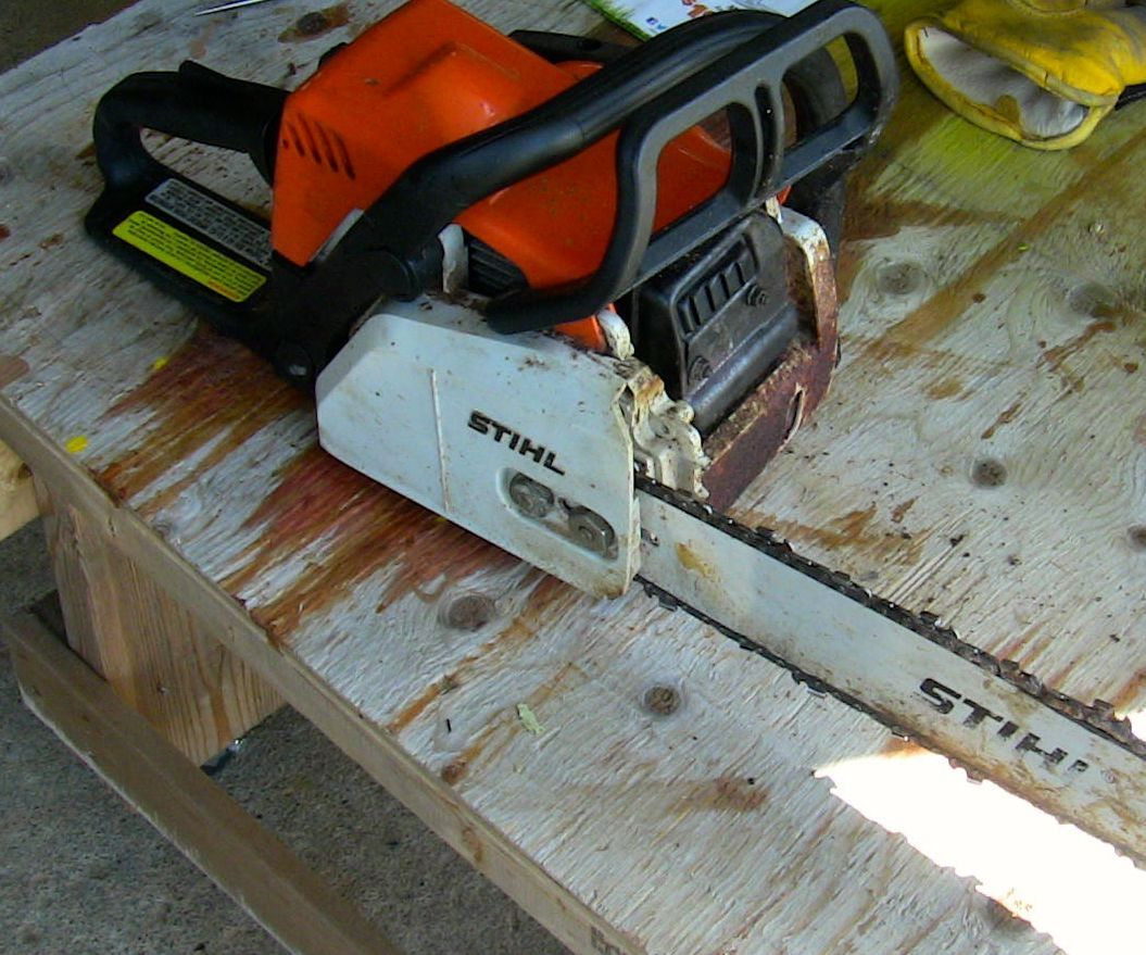 Chainsaw Bar Oil Repair With Shop Vac: 5 Steps (with Pictures)