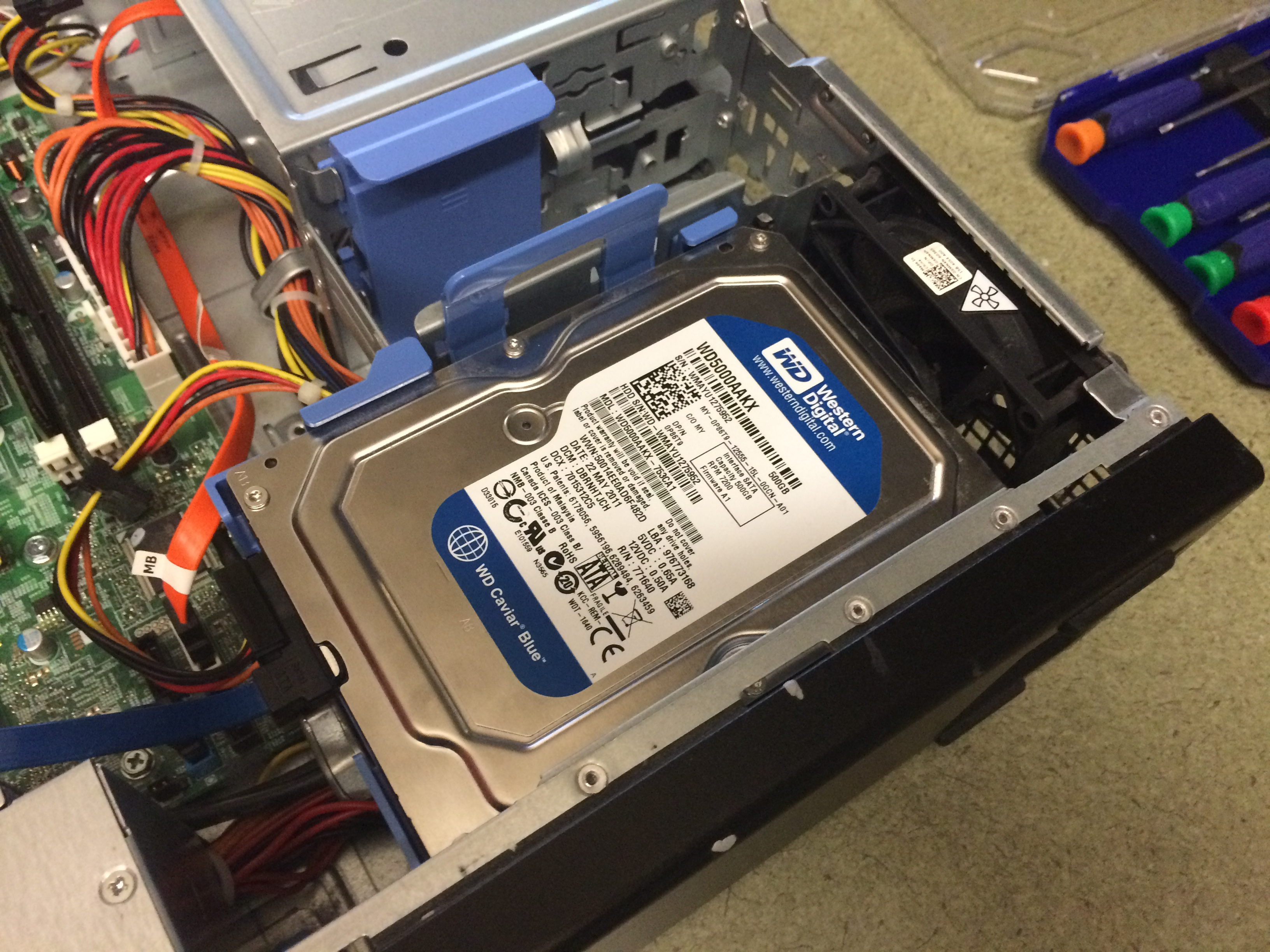 Picture of Put in the Optical Drive