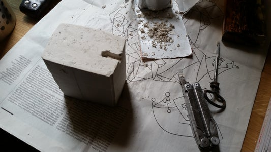 Remove the Gypsum Lamp Stand From the Mould and Adjust It for Cabeling