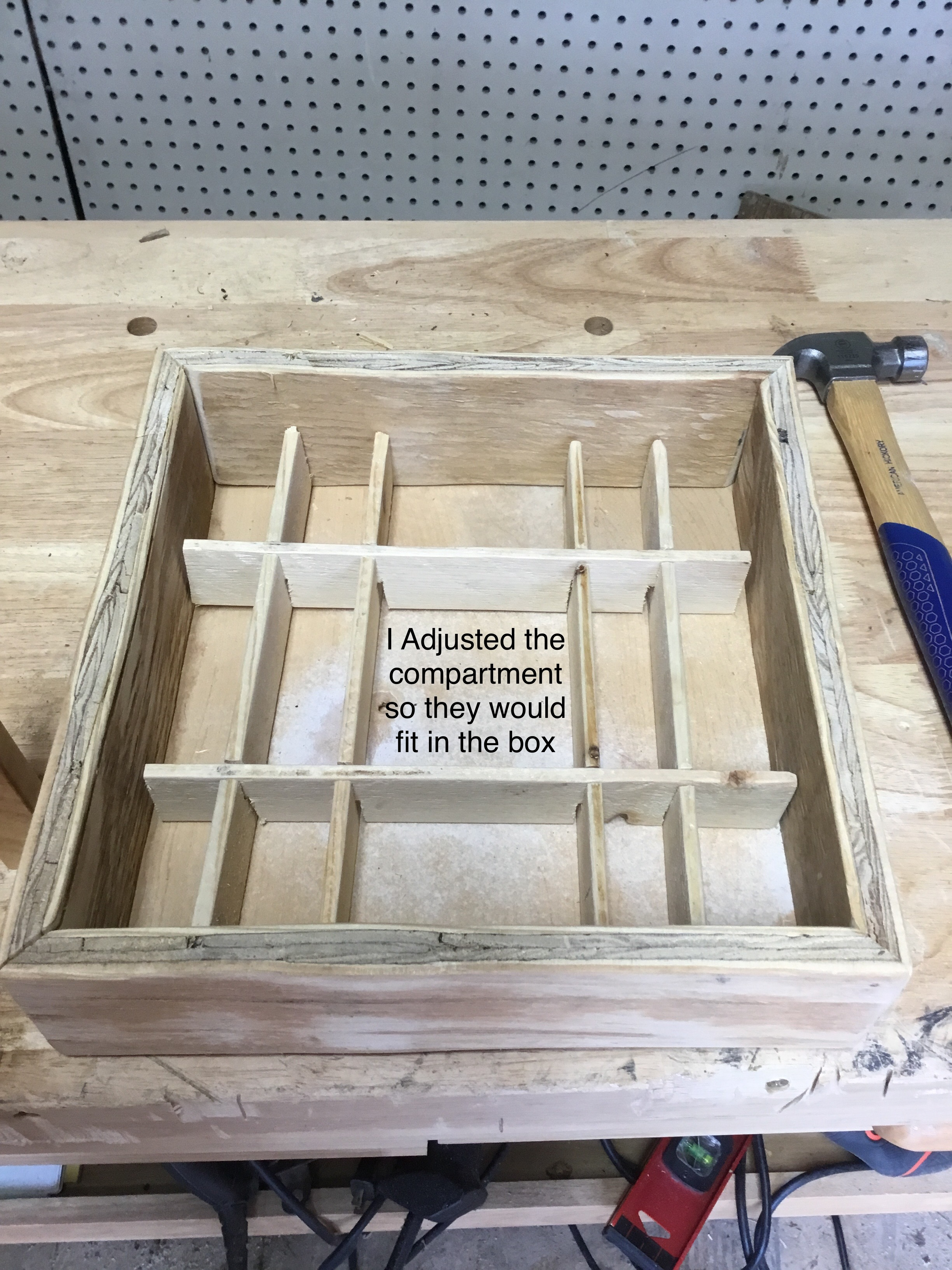 Picture of Putting the Compartments in the Box and Adjusting It