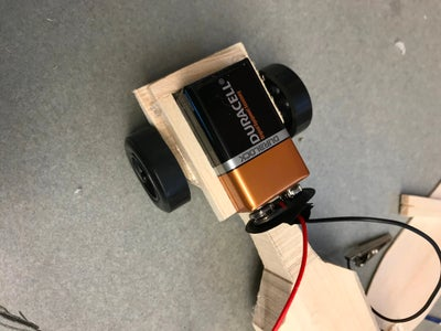 Mounting the Battery