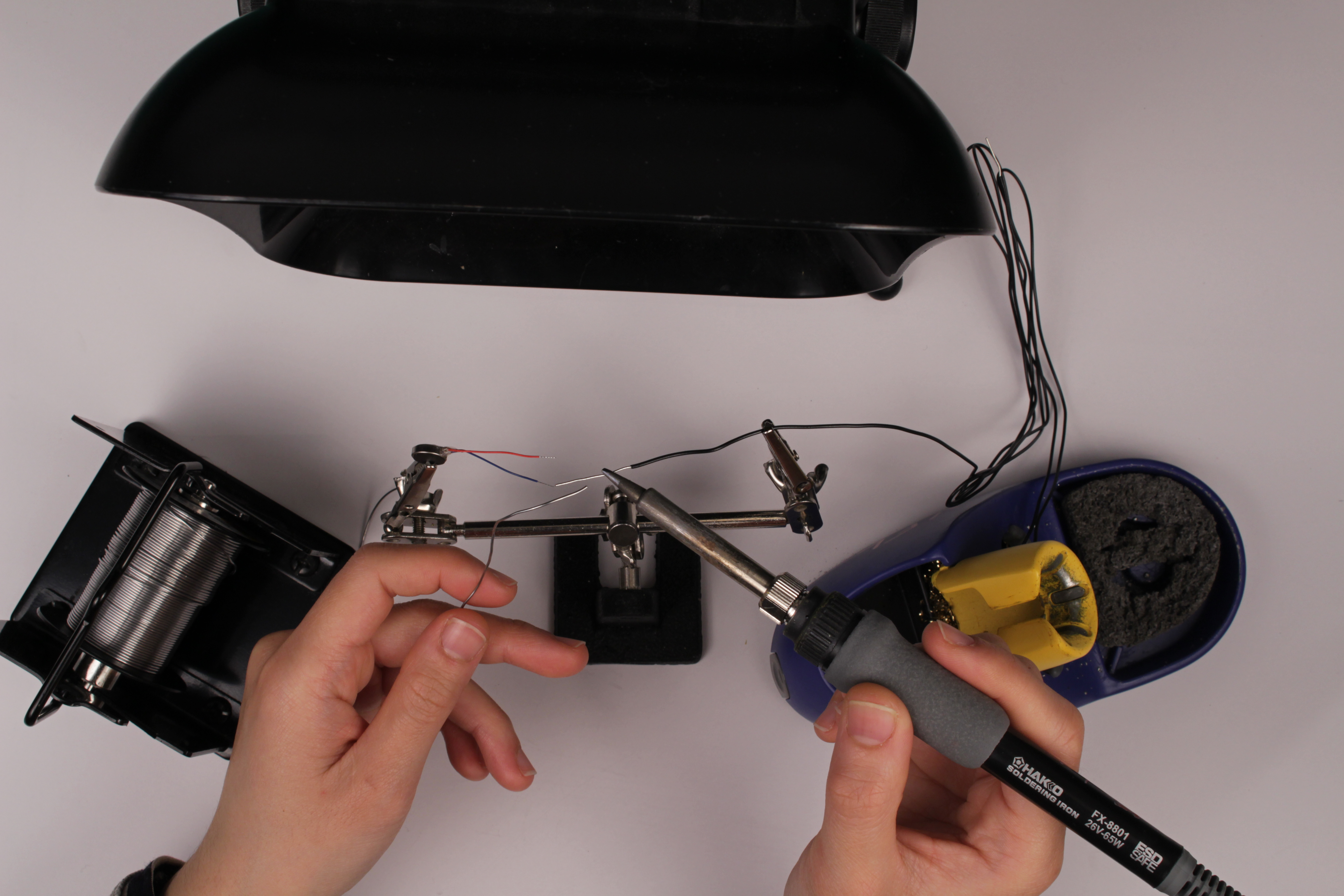 Picture of Wiring the Motors and Connecting Them to the Wood Stones