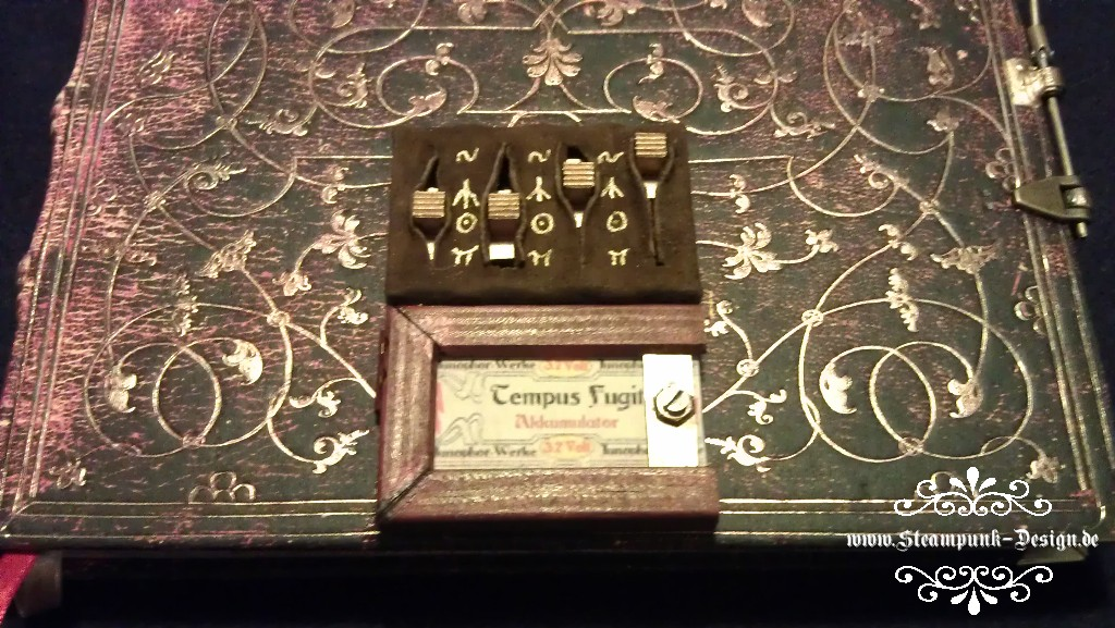 Picture of Steampunk Picaxe Protected Sketchbook