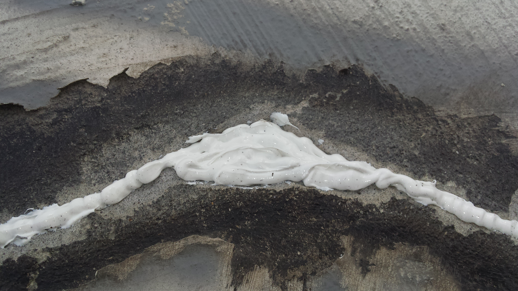 Picture of Sealing Crack.