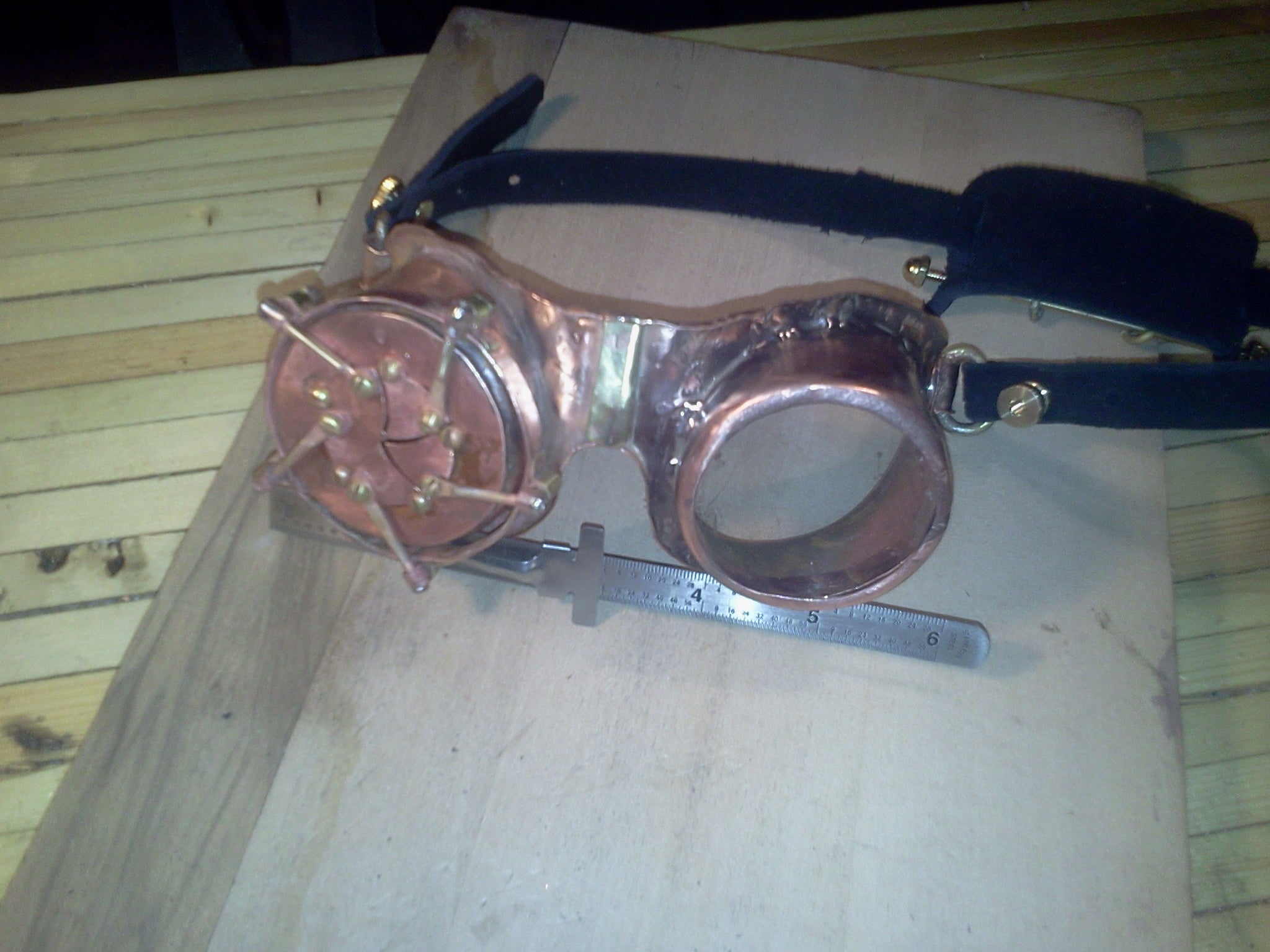 470ea3bf01af Steampunk Goggles With Mechanical Iris