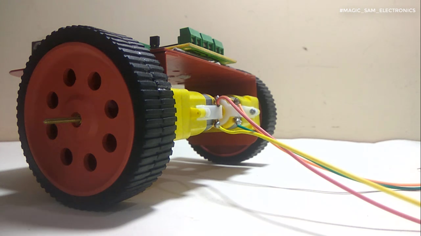 Picture of ATTACH THE WHEELS TO THE MOTORS