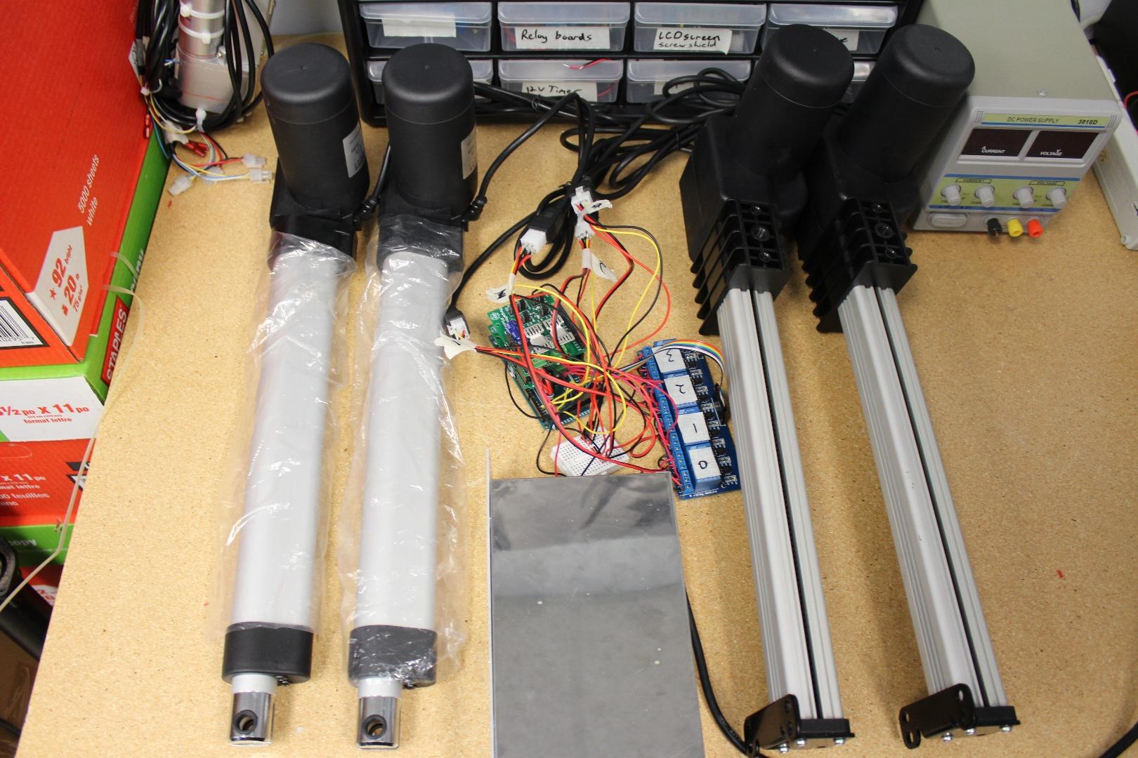 Picture of Programming Multiple Actuators
