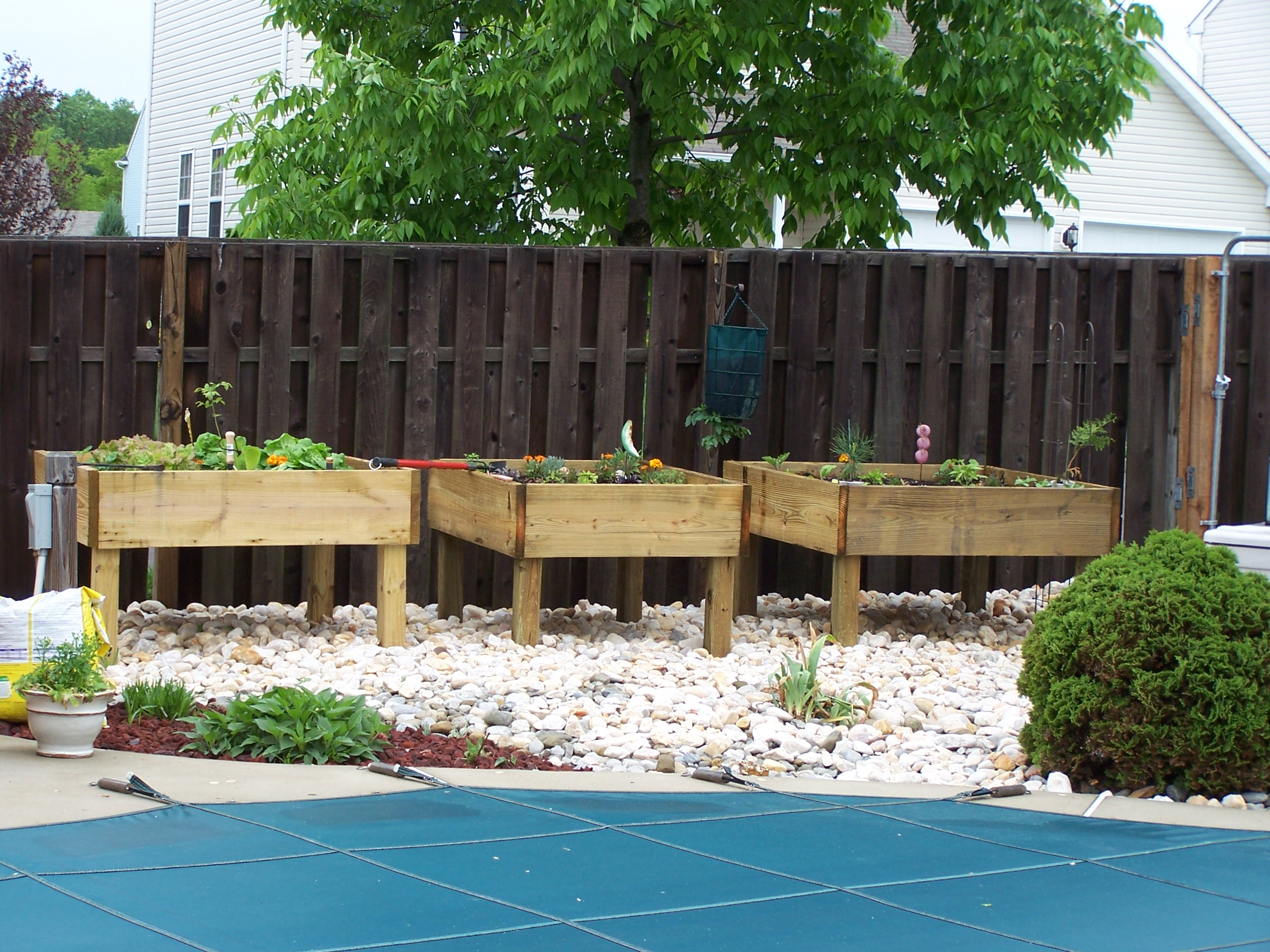 Raised Garden Bed - on Legs! : 3 Steps - Instructables on raised garden fencing designs, raised garden trellis designs, back yard planter box designs,