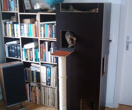 Kitty Castle with Scratchpole