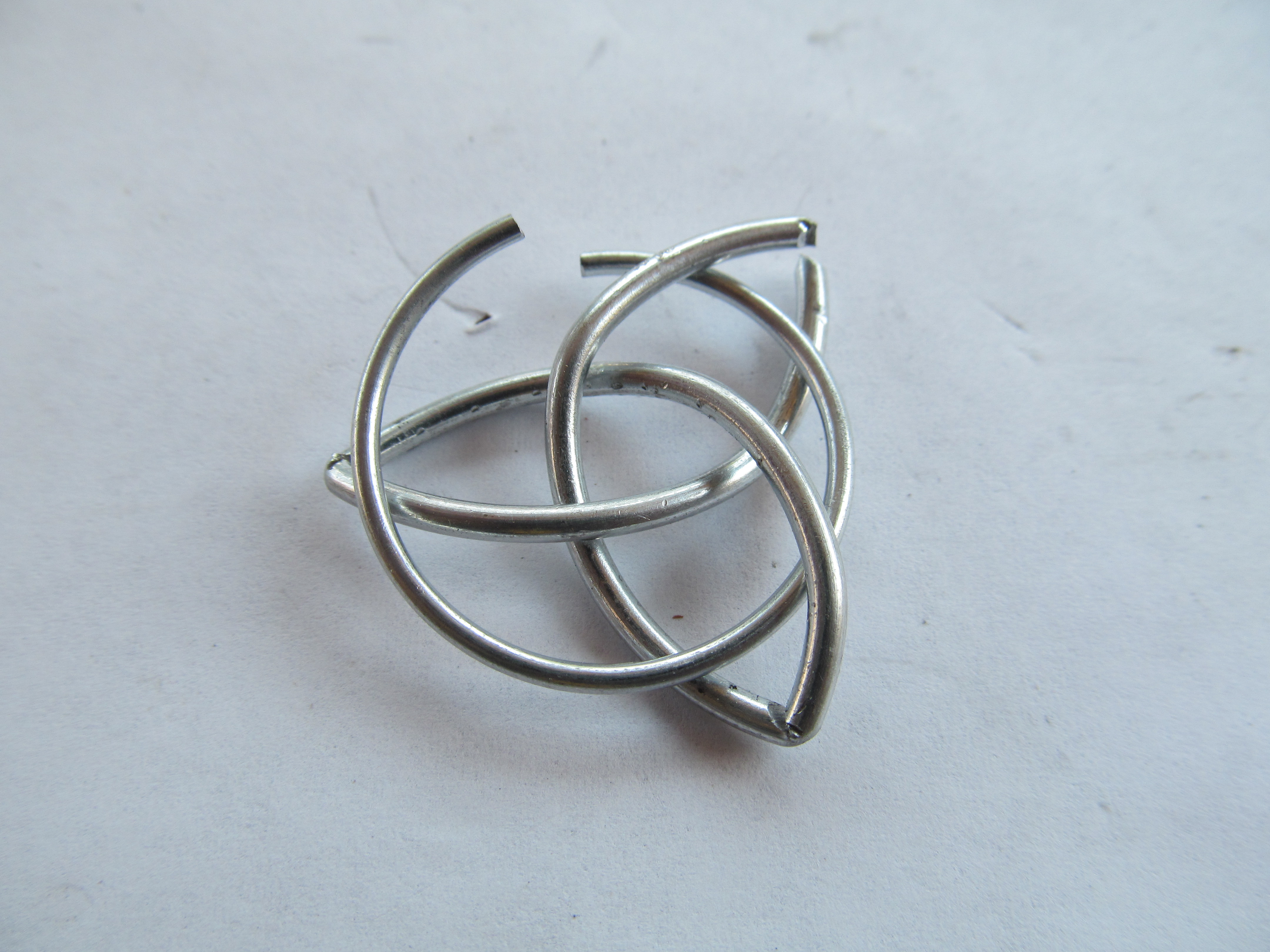 Celtic Knot Pendant: 6 Steps (with Pictures)
