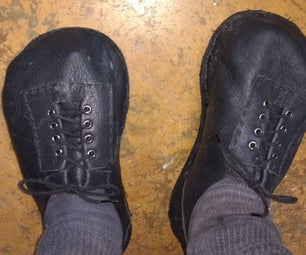 Wide-toe Leather Shoes Built on a Casting
