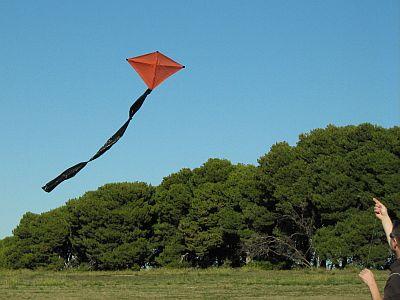 How to Make a Diamond Kite