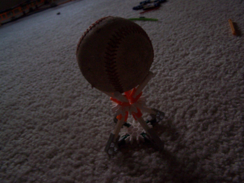Picture of Knex Flashlight/baseball Holder