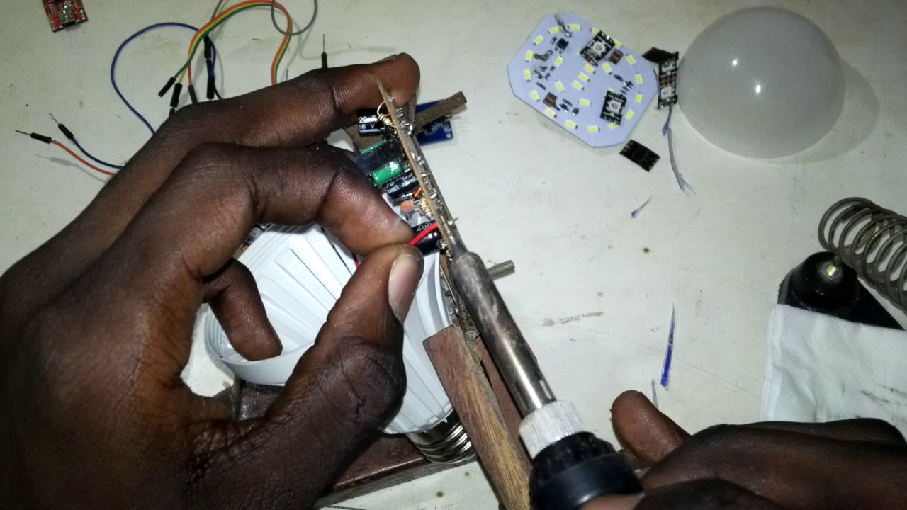 Picture of Solder the Current Supply to the Transformer