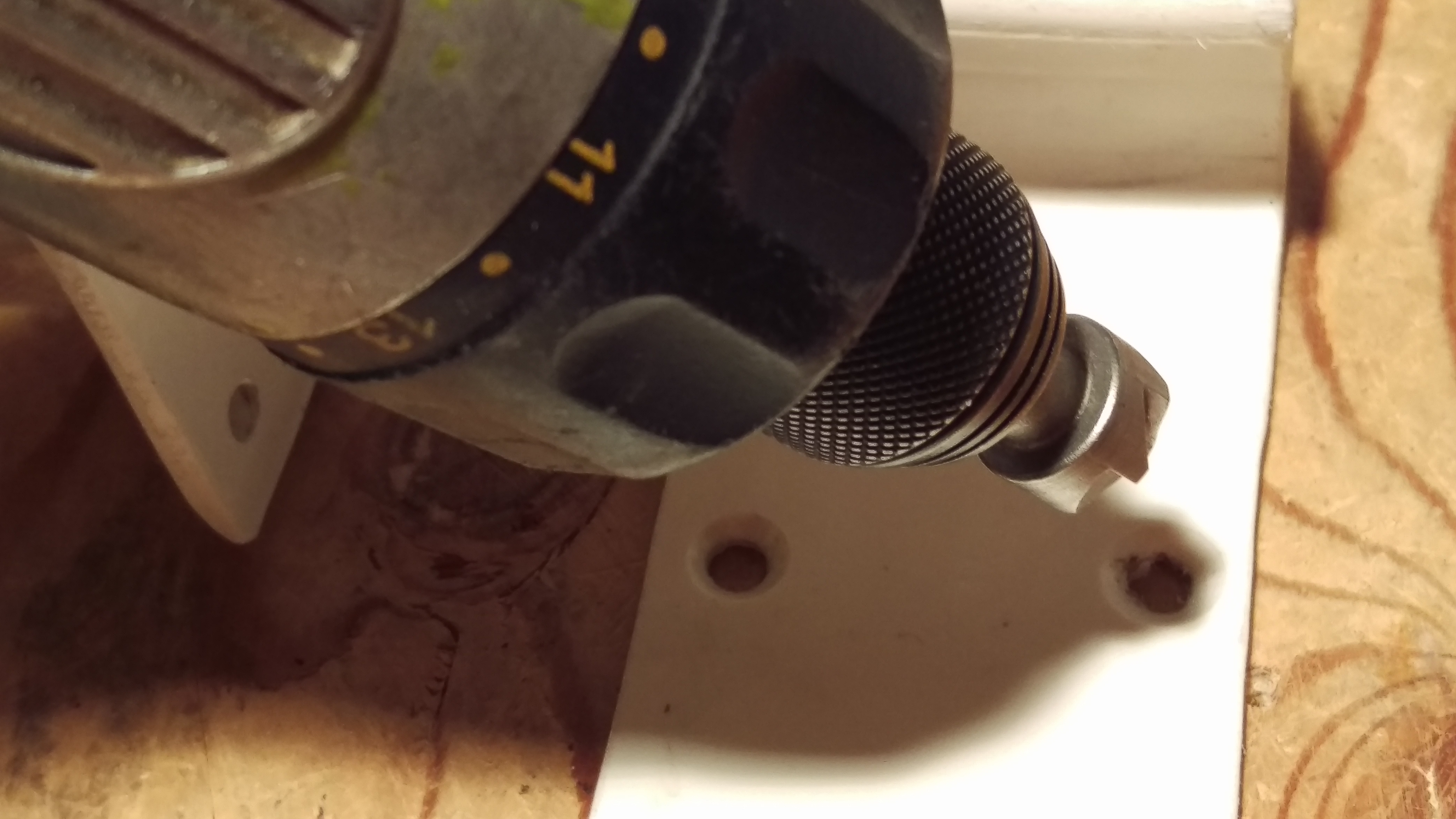Picture of Step 4 Making the Tablet Clamp