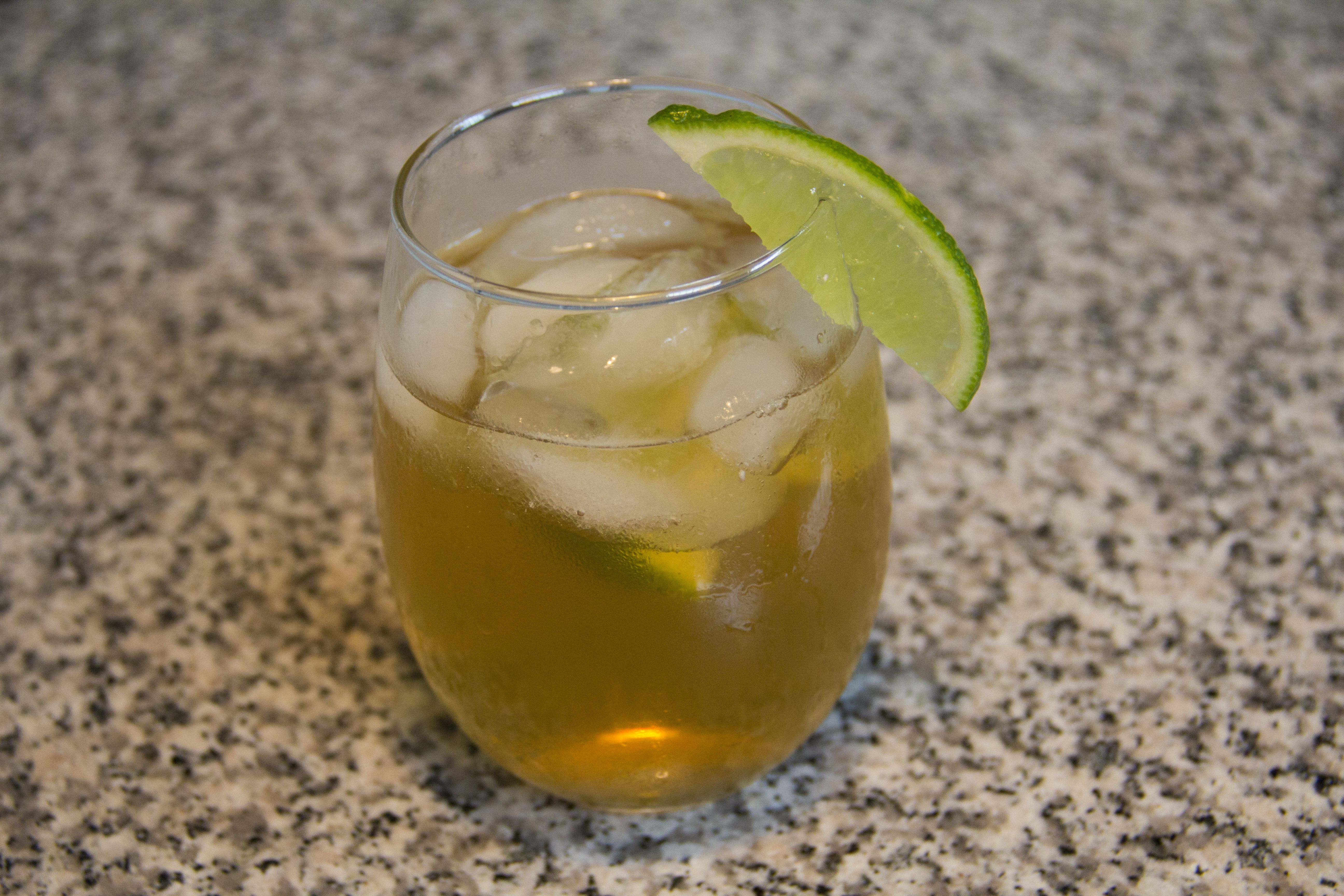 Picture of Easy Gold and Stormy Cocktail