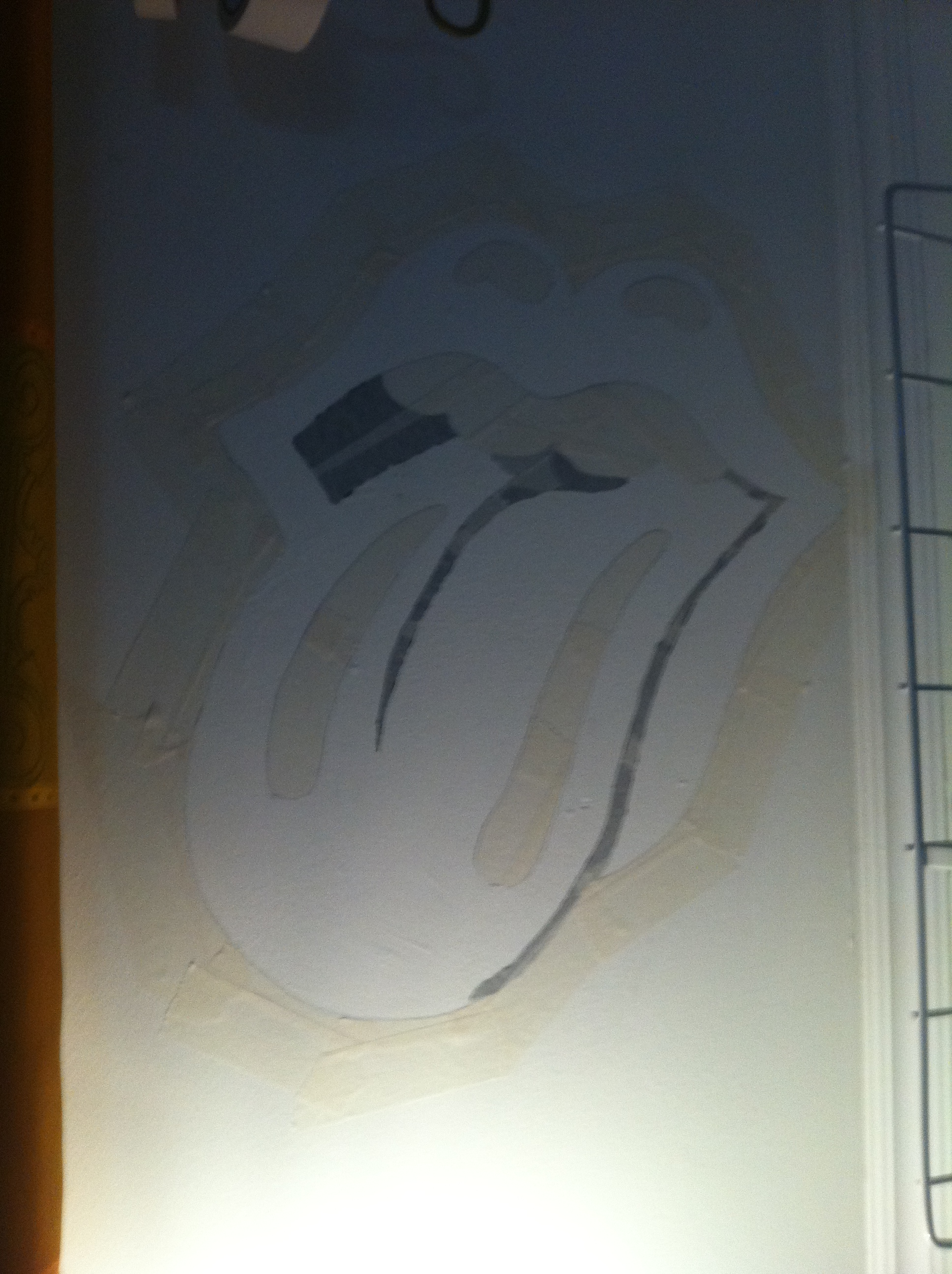 Picture of Taping and Sketching (or Rather Tracing)