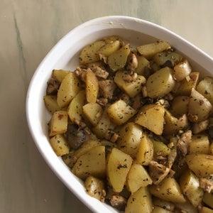 Roasted Garlic Mushroom and Baby Potatoes Dish