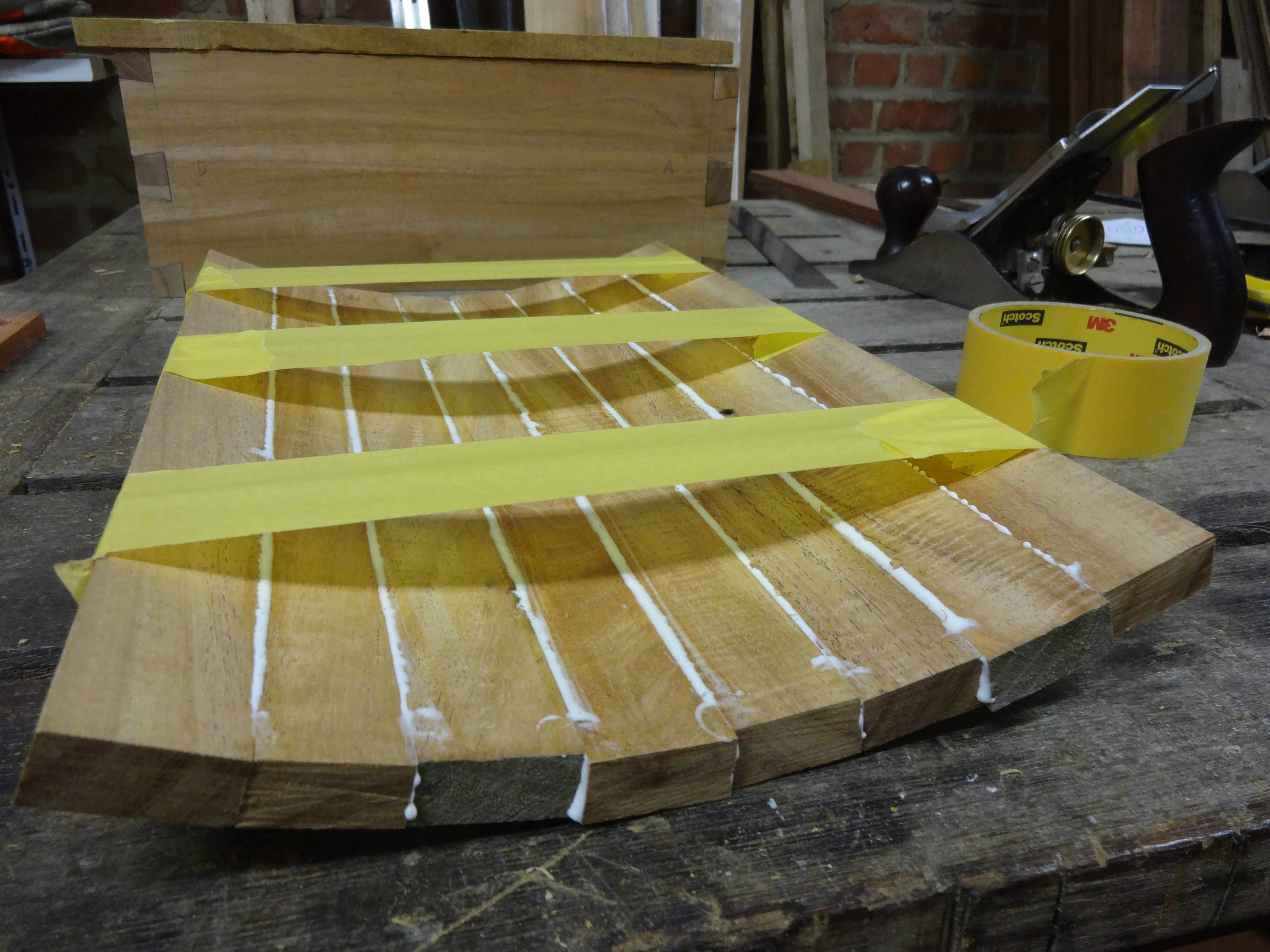 Picture of Making the Curved Part of the Lid