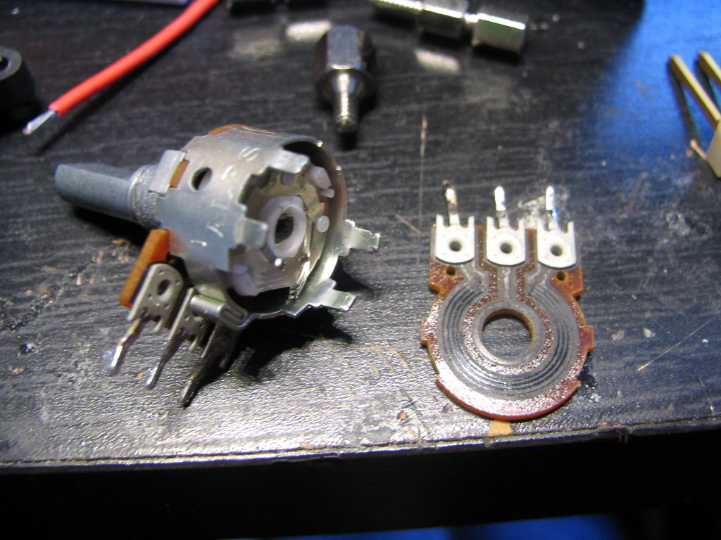 Picture of Remove the Potentiometer Back Cover