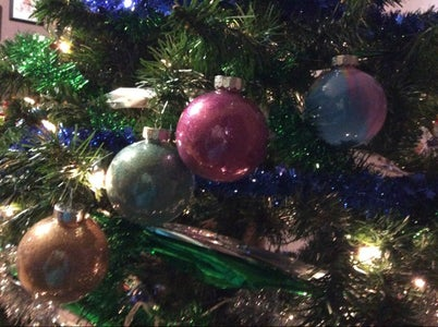 DIY Glitter and Marble Paint Ornaments
