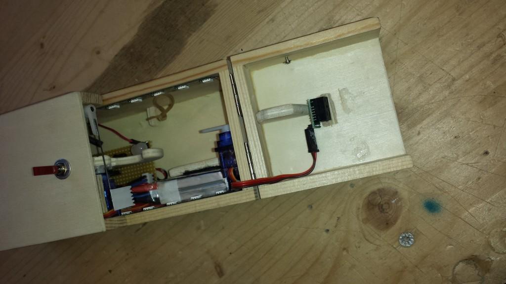 Picture of Sinnlosbox (useless Box)