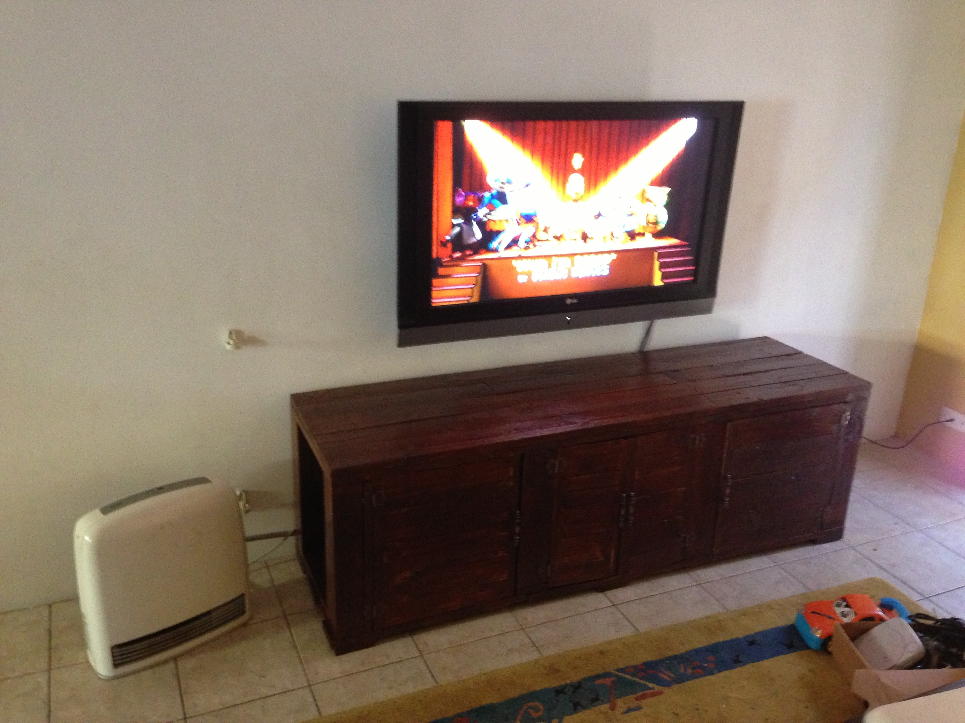 Pallet Tv Unit: 10 Steps (with Pictures)