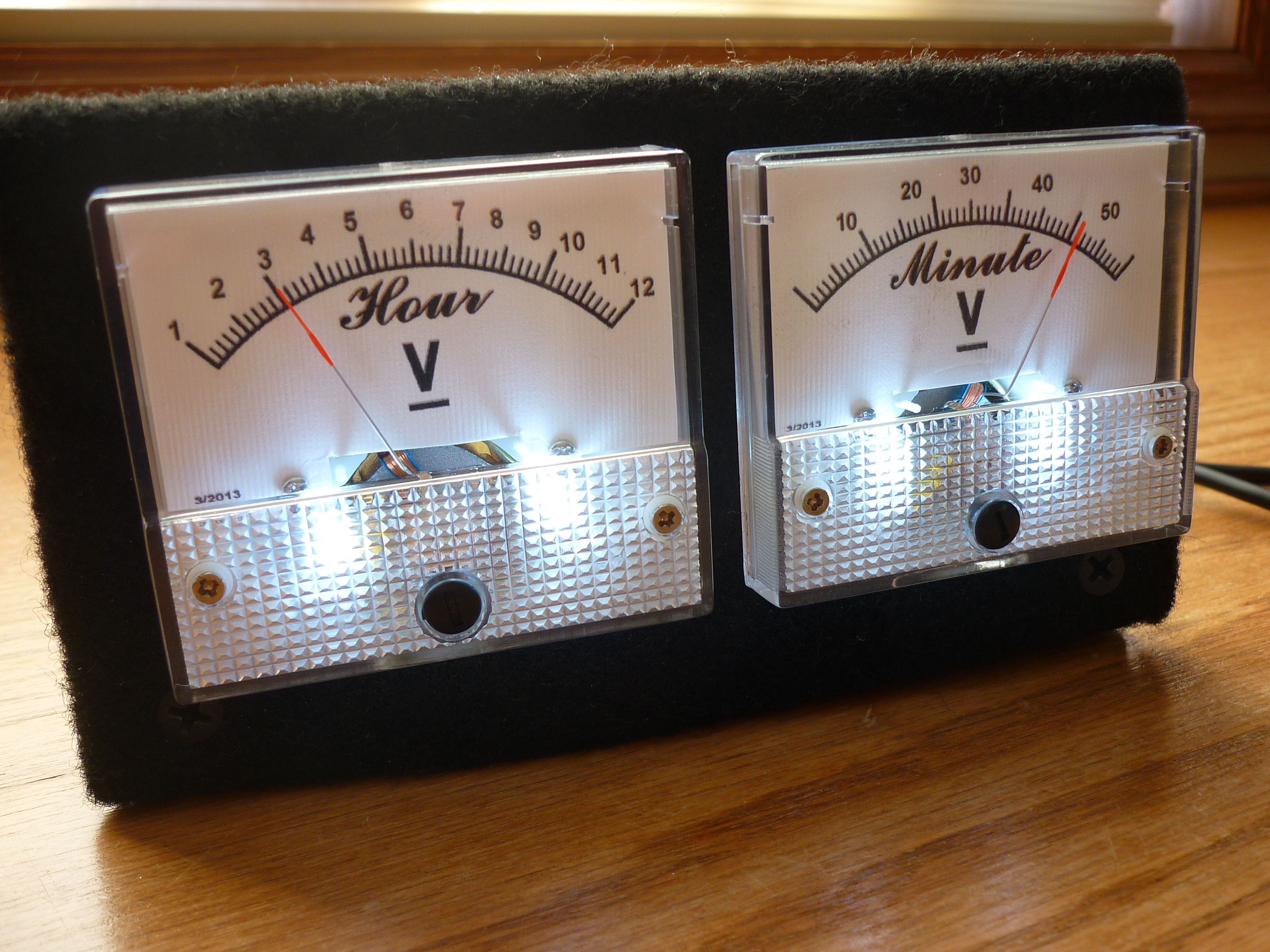 Analog VU Meter and Clock (Arduino Powered): 7 Steps (with