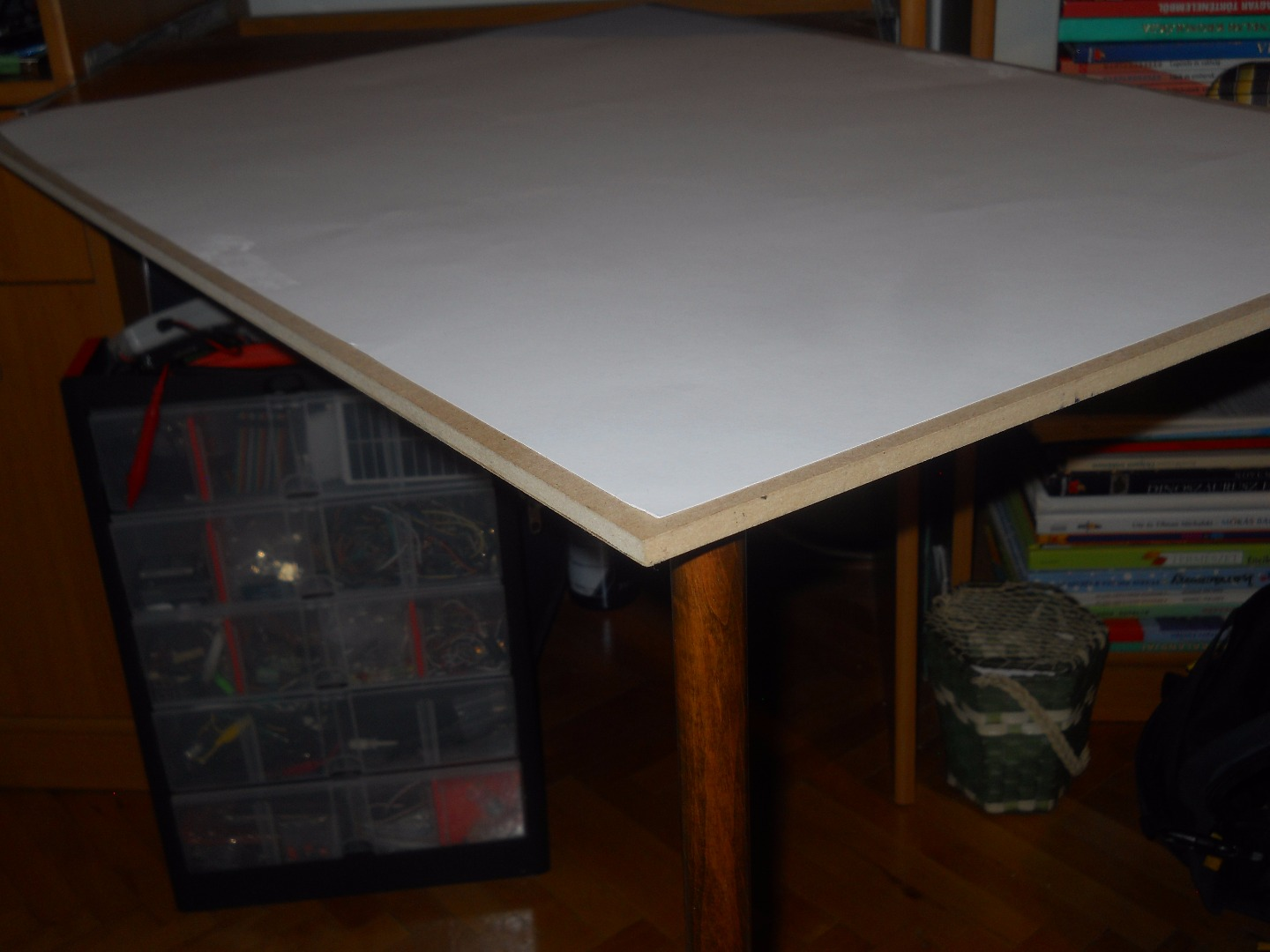 Picture of Two-Legged Instant Expanding Desk