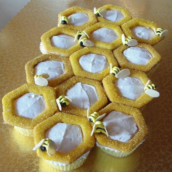Bee-Happy Cupcakes