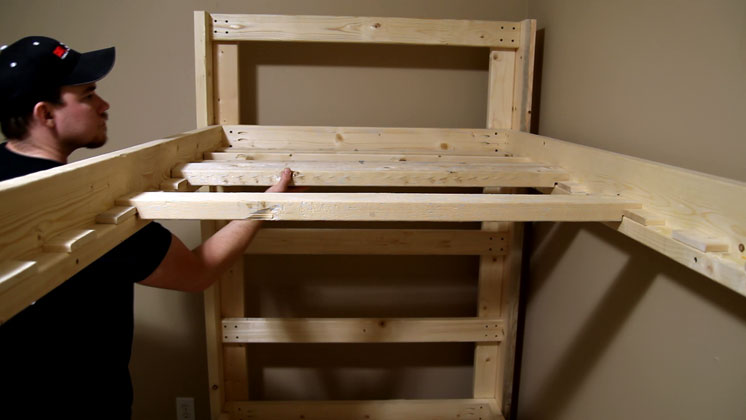 Easy and Strong 2x4 & 2x6 Bunk Bed: 6 Steps (with Pictures)