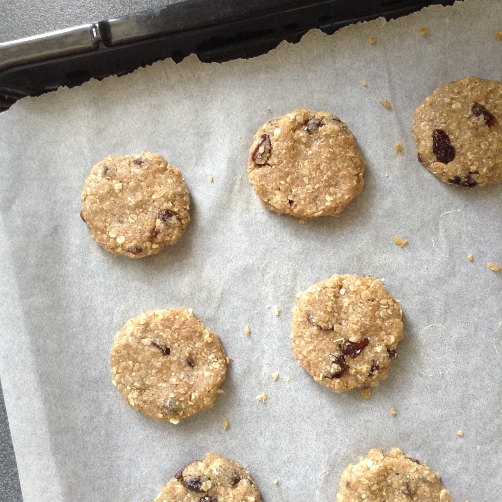Picture of Crispy Oatmeal: Baking