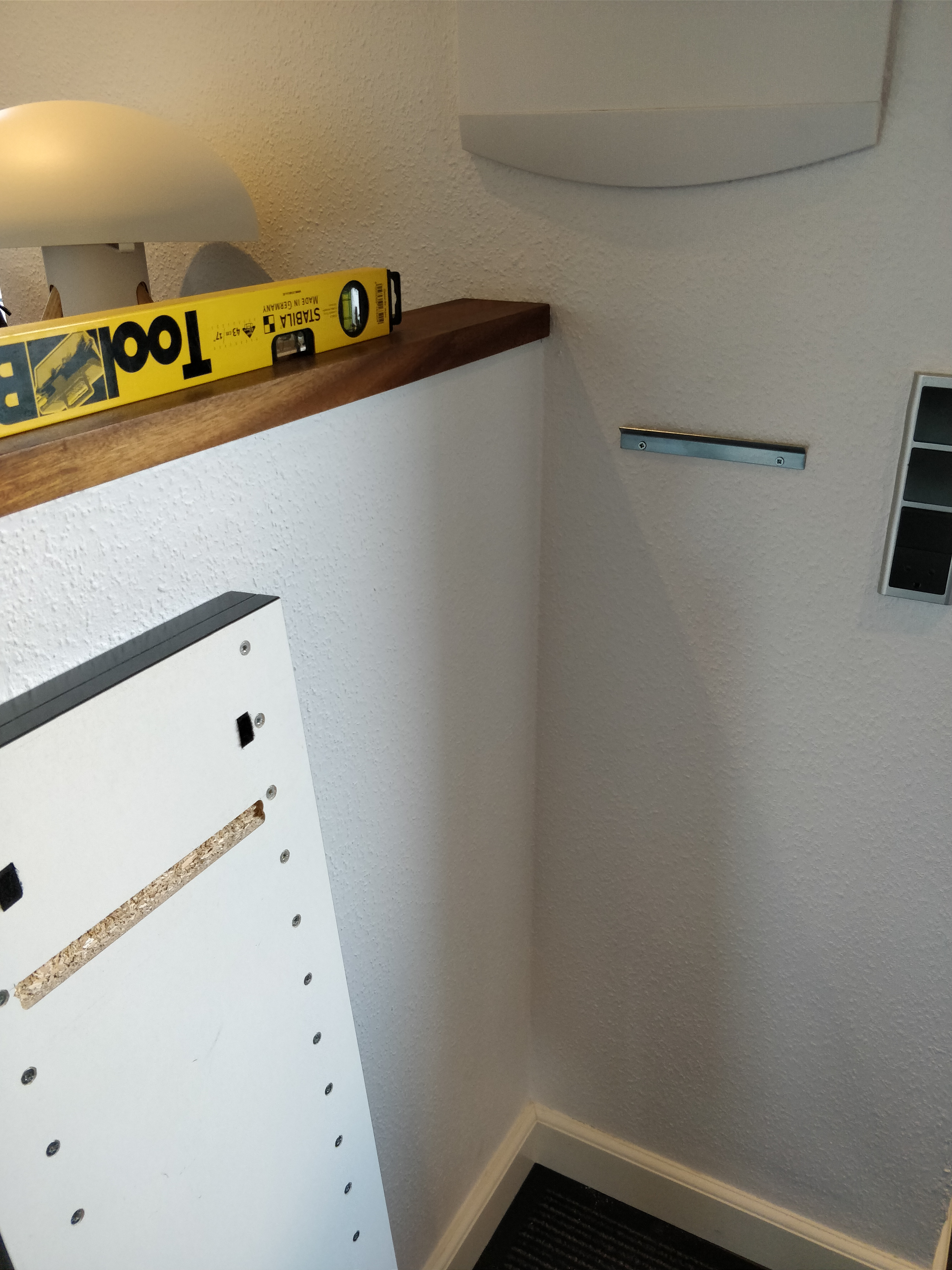 Picture of How to Hang It?