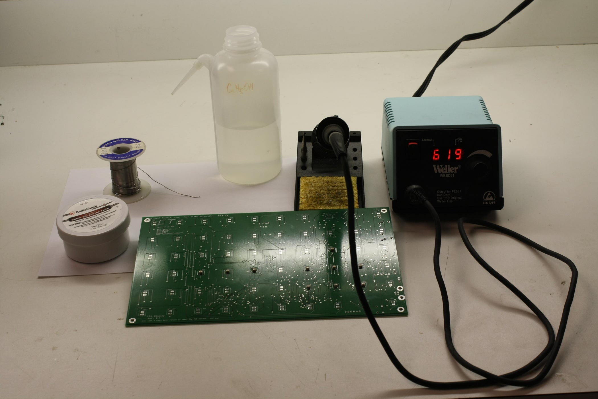 Soldering And Desoldering Surface Mount Components 10 Steps Pcb Repair Materials Tools Printed Circuit Board
