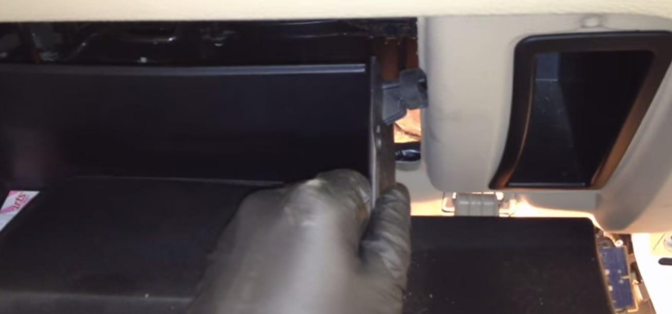 Quick Fix (workaround) Ford Fusion AC Evap. Sensor: 7 Steps