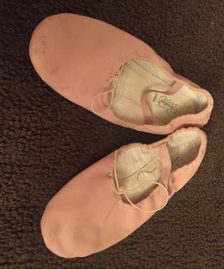How to Put on Ballet Shoes