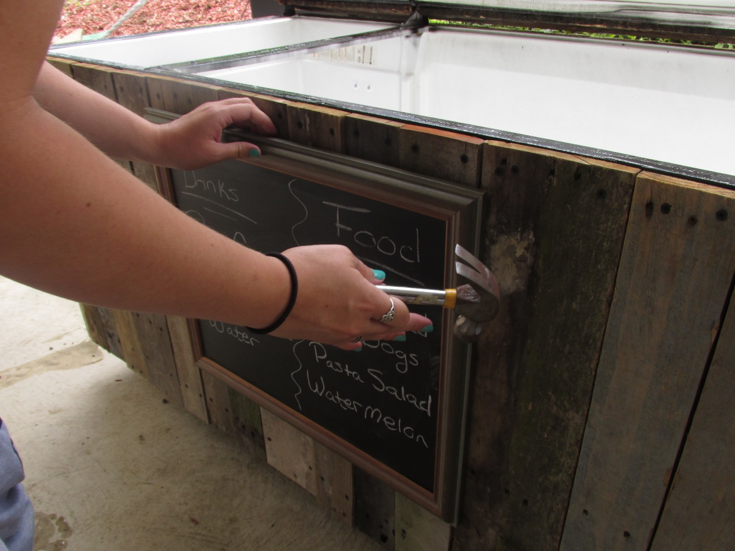 Picture of Adding the Finishing Touches, Handles, Chalk Board, & Rope Lid Support