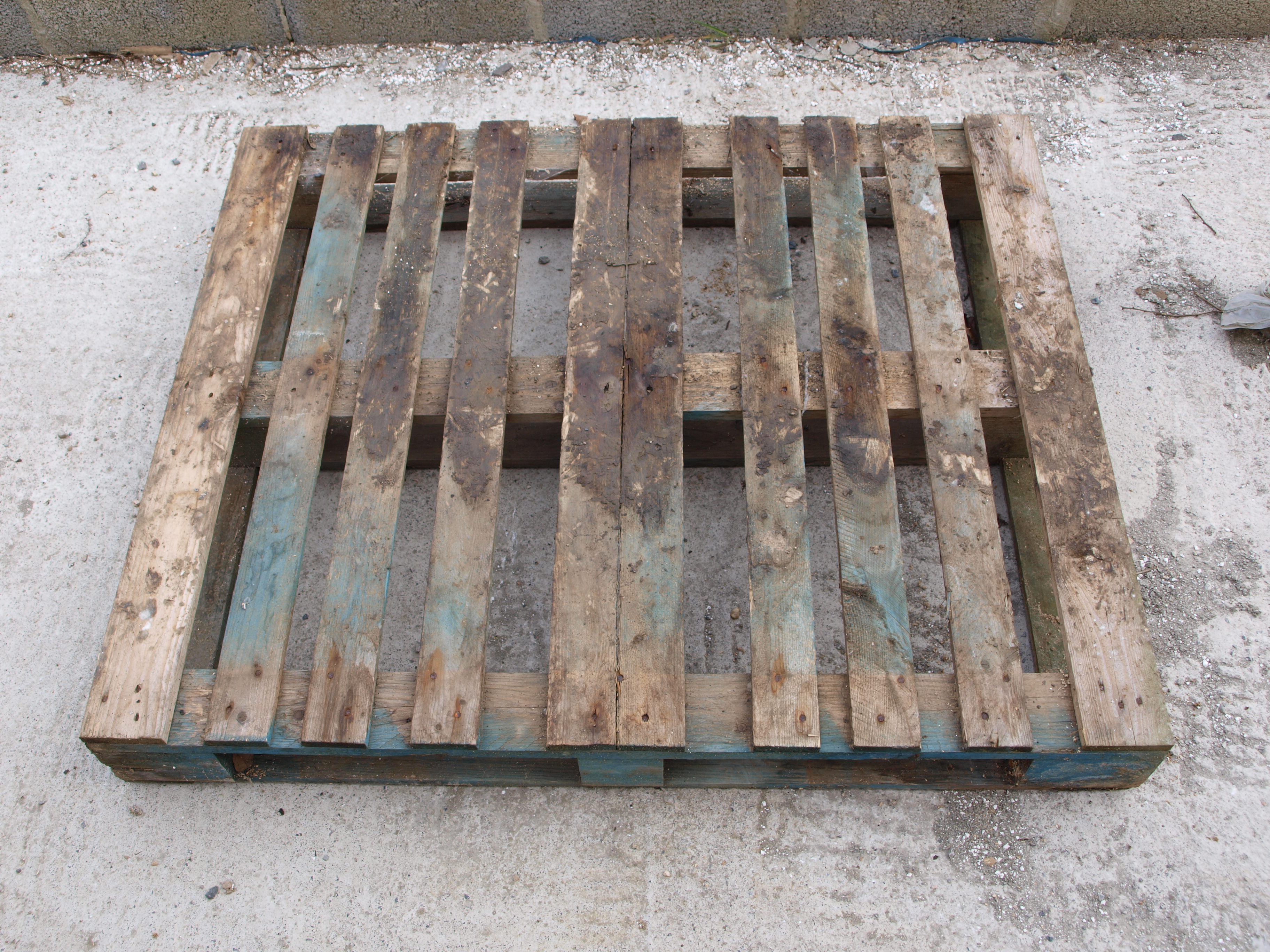 Picture of A Simple Pallet Gate