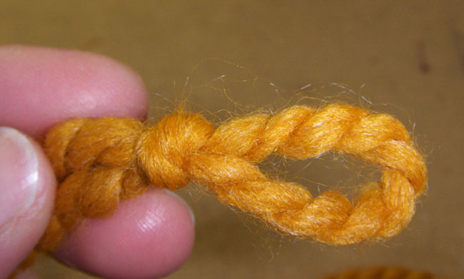 Picture of Make the Slip Knot.