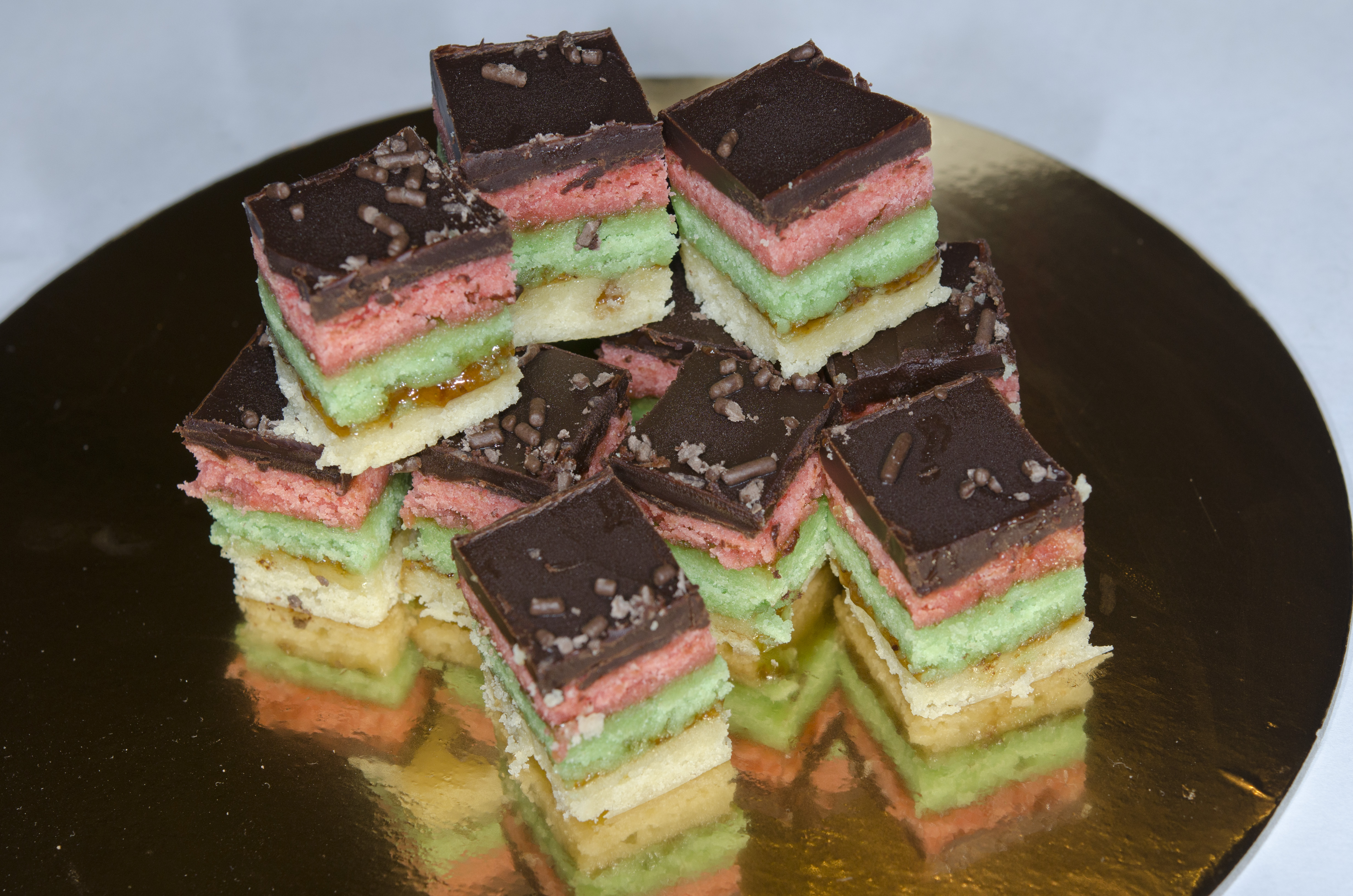 Picture of HowTo Make Rainbow Cookies: Serving