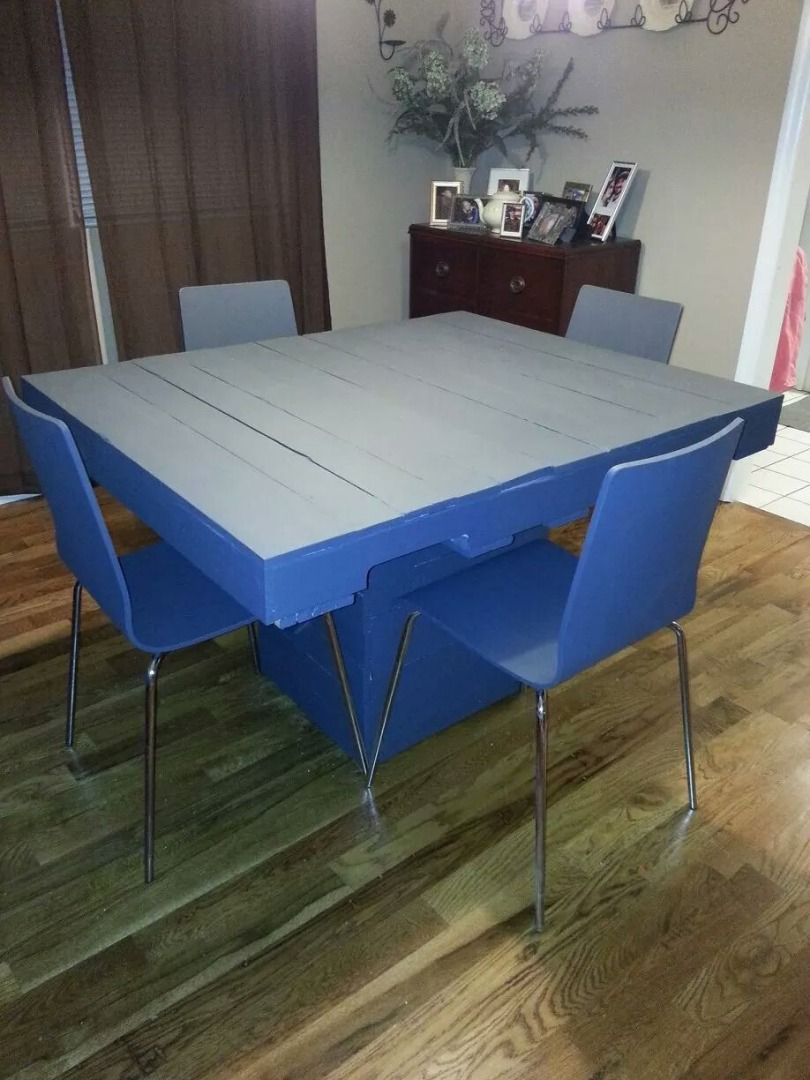 Picture of Dining Pallet Table