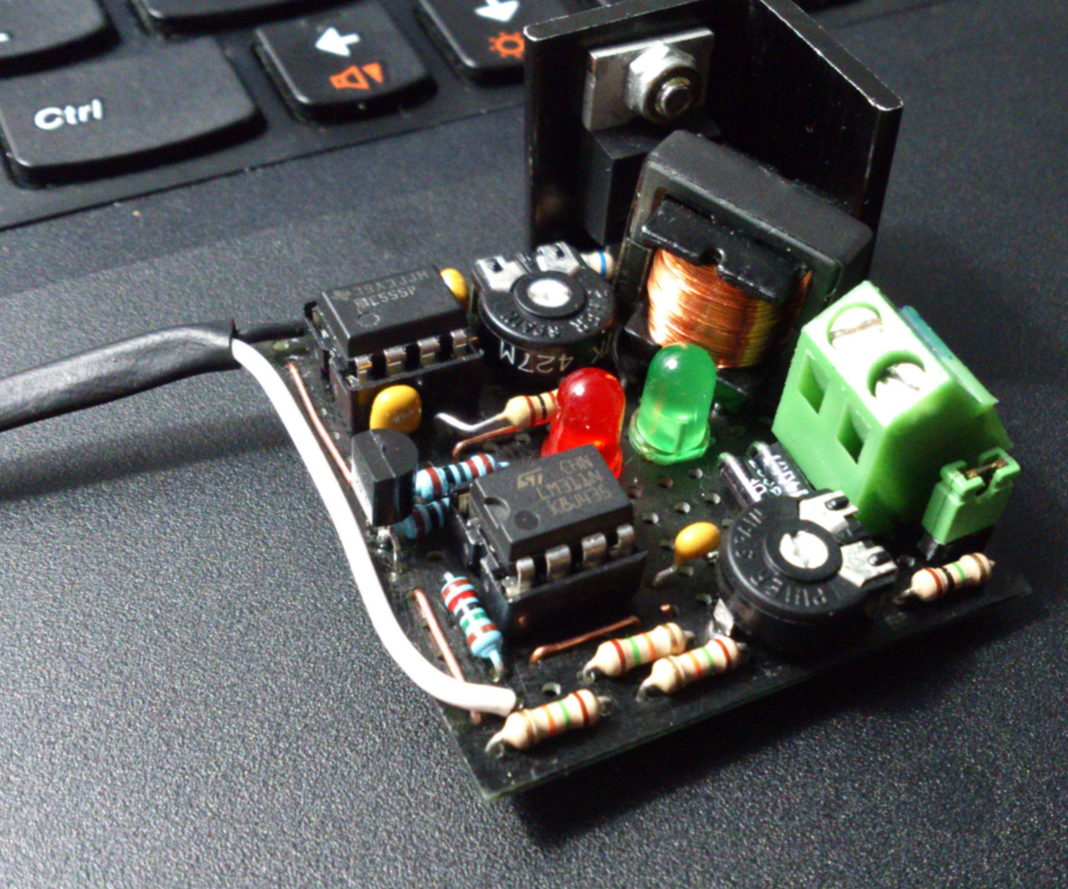 Capacitor Charger 60 400v 6 Steps Circuit Using A Single Transistor It Starts Charging When